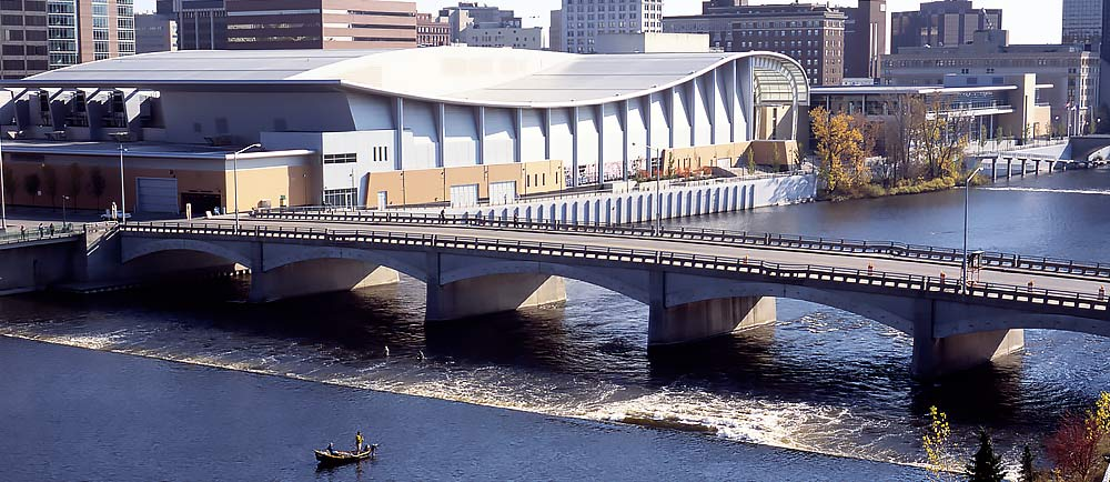 Grand Rapids Swing Bridge in Grand Rapid, Michigan