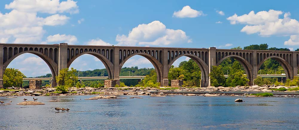 James-River-Railway-Bridge-in-Richmond-Virginia-1