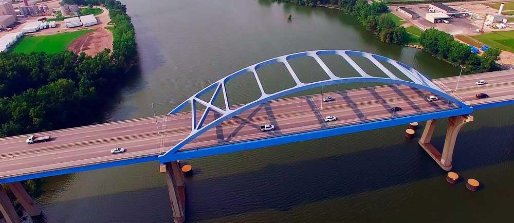 Leo-Frigo-Memorial-Bridge-in-Green-Bay-Wisconsin-1